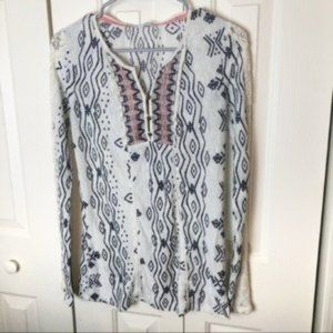 Maurices Aztec Tunic Lace on Sleeves Size Small